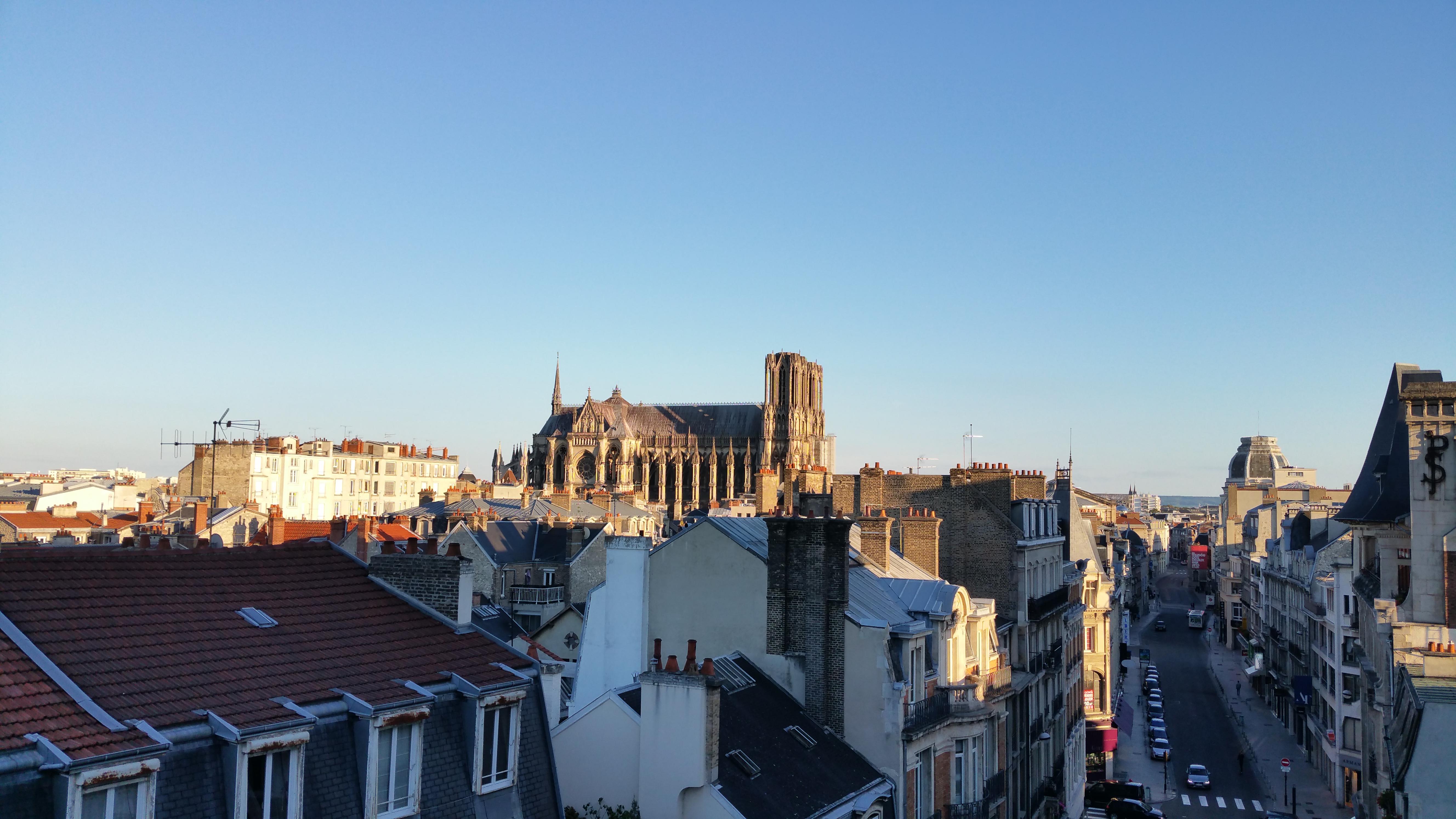 Reims la ville o il fait bon respirer refletsactuels - Piscine reims thiolettes ...